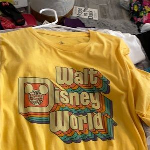 Walt Disney world t shirt
